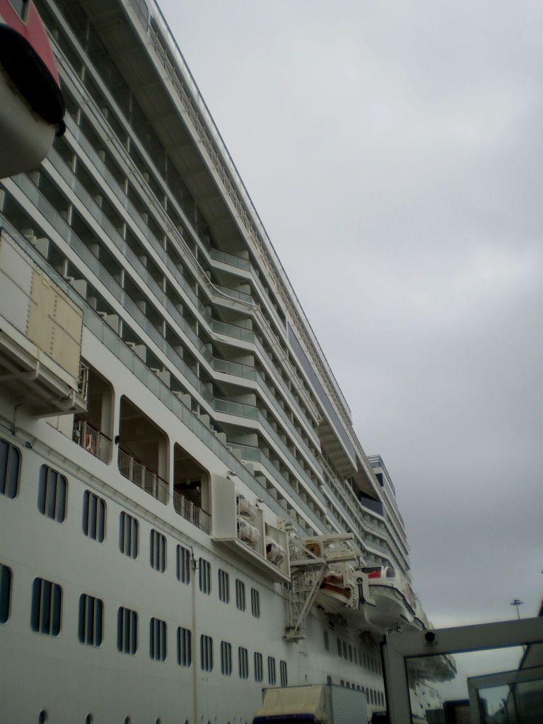 La cronista crepuscolare si interroga sull'efficienza delle scialuppe