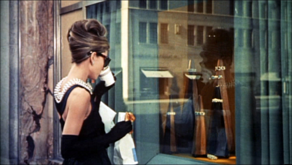 Colazione da Tiffany con una ragazzamoderna